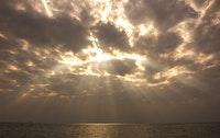 اندماج خيوط الشمس للبحر
